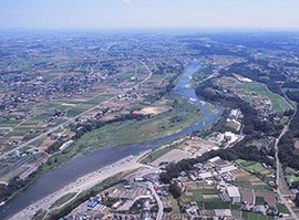 <p>写真:建設中の川の博物館周辺 <br /> (大里郡寄居町上空)</p>